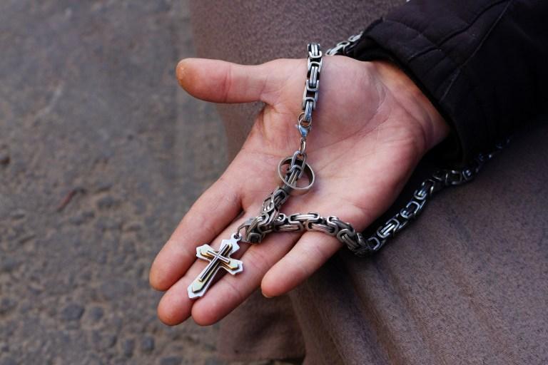 Marc, Dortmund: Die Kette hat mir eine Freundin geschenkt. Das Kreuz habe ich mir selbst gekauft. Der Ring gehörte dem Großvater einer Freundin.