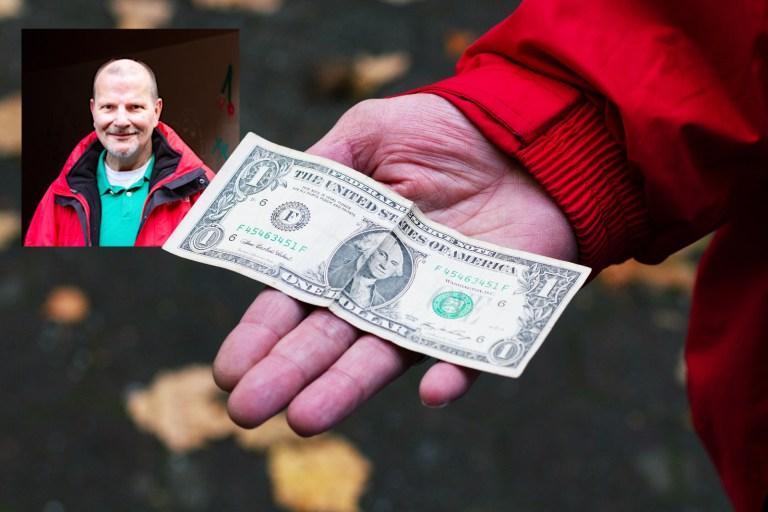 Mario, bodo-Verkäufer in Bochum: Den Dollar hat mir vor 20 Jahren mein Bruder geschenkt. 2004 ist er leider gestorben. Seitdem trage ich den Schein immer bei mir. Früher hat mir mein Bruder Glück gebracht, jetzt der Dollar. Und noch was Gutes: Ich habe nie komplette Ebbe im Portemonnaie.